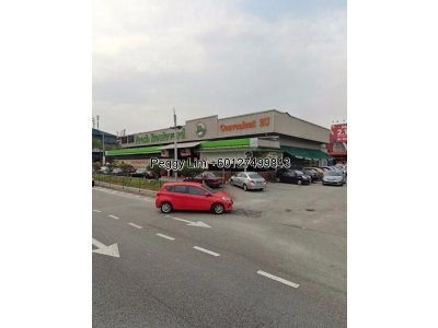 Show Room or factory for Rent at Persiaran Subang Permai