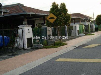 1st terrace house , Taman Kencana Indah, Jalan Kebun, Sek 30, Shah Alam.