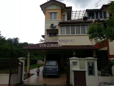 3 Storey House in Kinrara Mas