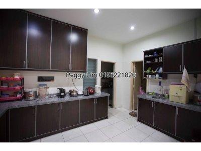 2 storey Semi D House For Sale, Kemuning Palma, Kota Kemuning, Shah Alam, RM 1.25m negotiable