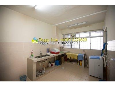 Vista Lavendar Apartment For Sale, Taman Kinrara, Puchong, Selangor