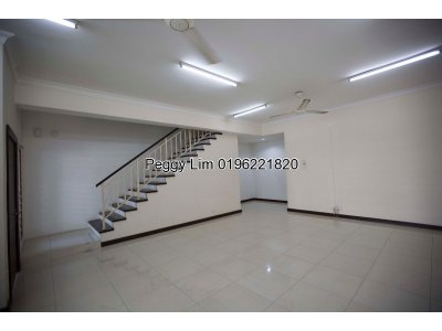 Two and a Half Storey Terrace House To Let, Taman Meranti Jaya, Puchong Selangor.