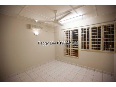 2sty House (END LOT) For Sale, 18x60, Puchong Utama 8, Puchong