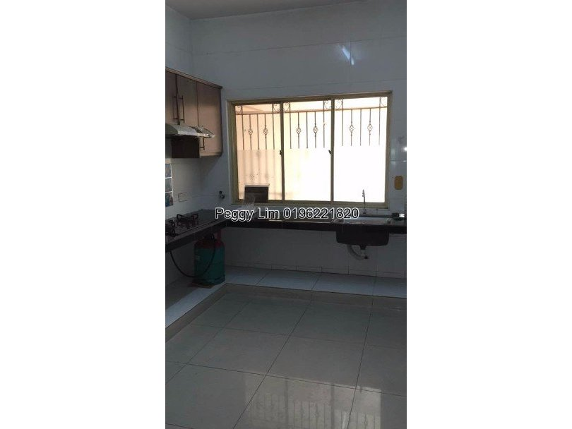 East Lake Residence Seri Kembangan To Let