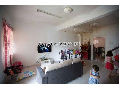 2sty Terrace House Puchong Utama 10, Puchong